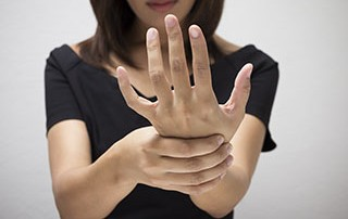 numbness and tingling in the hands is related to carpal tunnel
